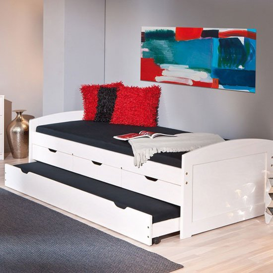 Ulli Day Bed With 3 Drawers And Pull