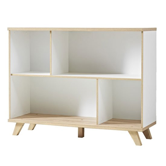 Photo of Ohio shelving unit in white and solid oak with 4 shelf