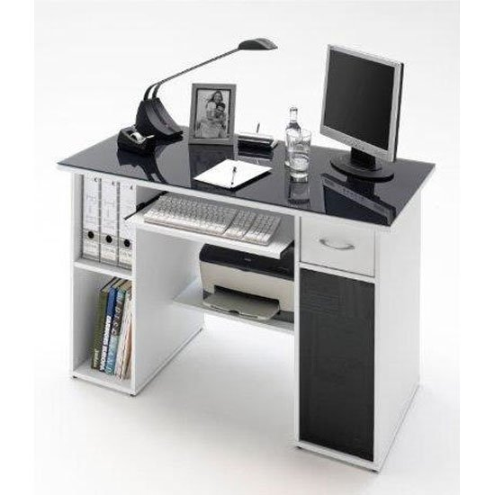 white_and_black_office_desk