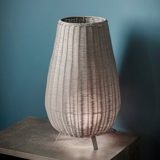 Vimina Traditional Table Lamp In Weave Shade