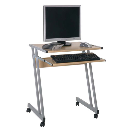 Selecting school furniture- computer desks for students