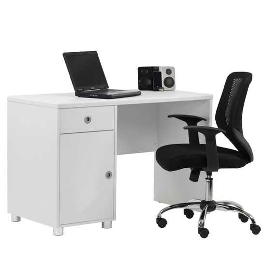 AW22813 WH - 5 Things You Should Be Looking For In A Computer Desk For A Recliner