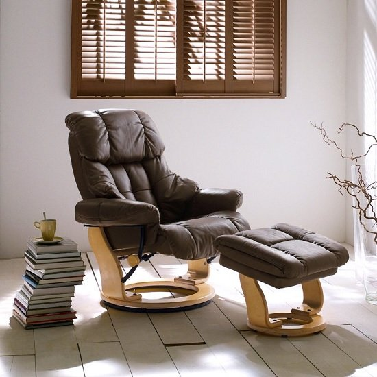 Calgary Relaxing Chair In Brown Leather And Oak With Foot Stool