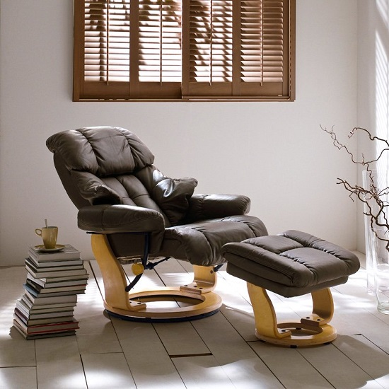 Calgary Relaxing Chair In Brown Leather And Oak With Foot Stool_5