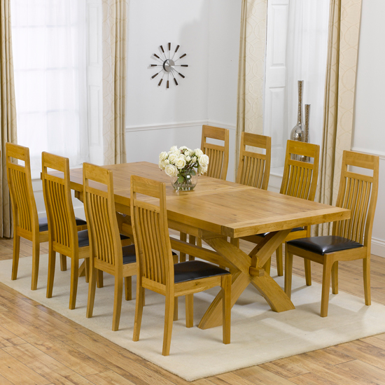 Avignon Oak Extending Dining Table And 8 Monte Carlo Chairs