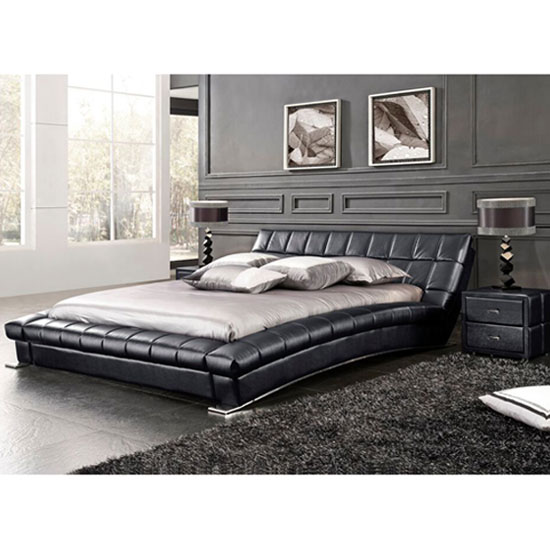 Mason king size bed in black faux leather with chrome for Tete de lit avec tablette