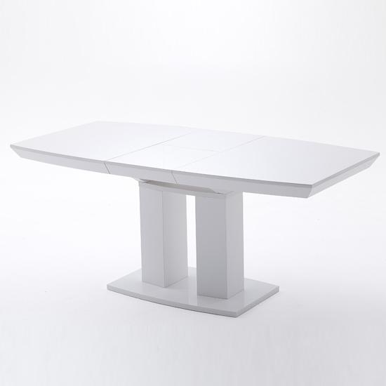 Genisimo Extendable Pedestal Dining Table In High Gloss  : Genua20II20ausgezogen20ohne20Deko from www.furnitureinfashion.net size 550 x 550 jpeg 74kB