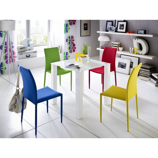 Hanna Square Glass Dining Table With 4 Mila Chair