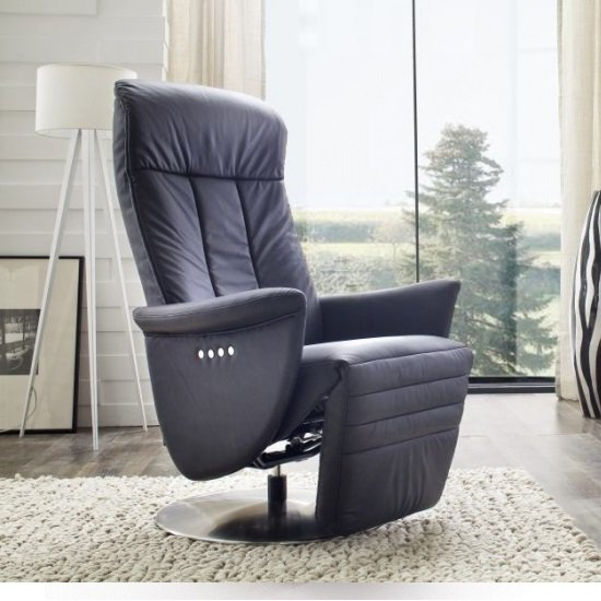 Saltos Relaxing Chair In Black Leather With Stainless