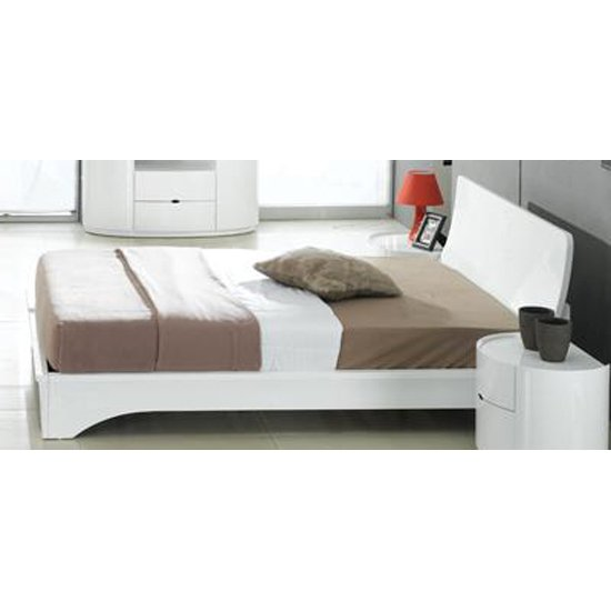Laura White Gloss Double Bed With Ventilated Board 9083