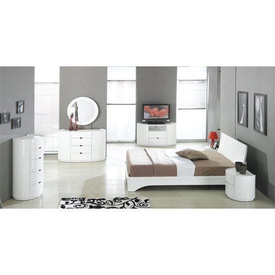 Laura Bedroom Furniture Sets In High Gloss White - White high gloss bedroom furniture set