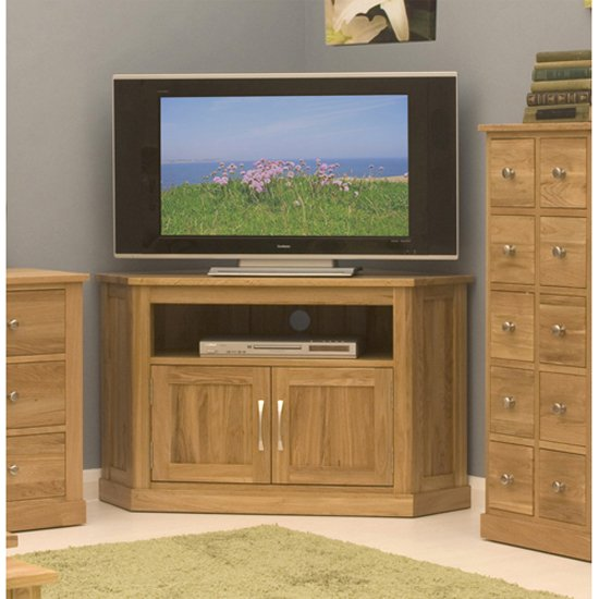 Mobel corner tv stand cor09c - How To Successfully Integrate Wooden Corner TV Stands For Flats Screens Into Modern Interior