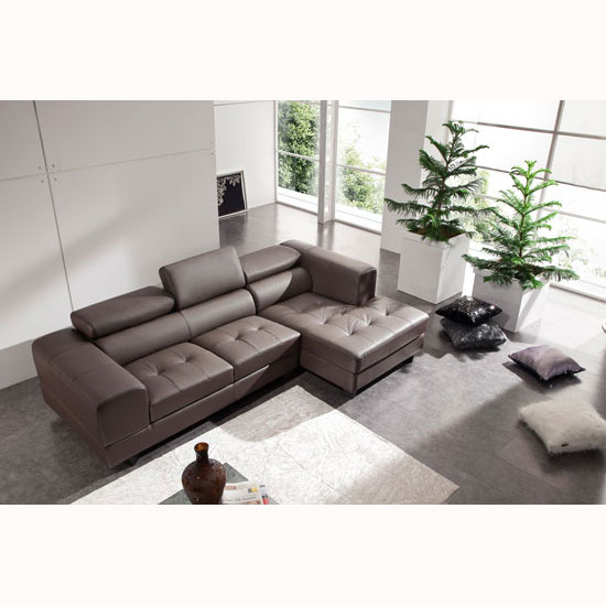 Some Tips for Living Room Ideas around Brown Sofa