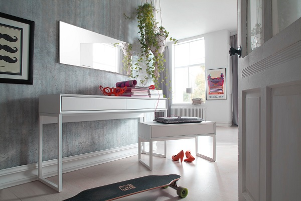 Moller Console Desk In Matt White With Metal Legs And 2 Drawers_3
