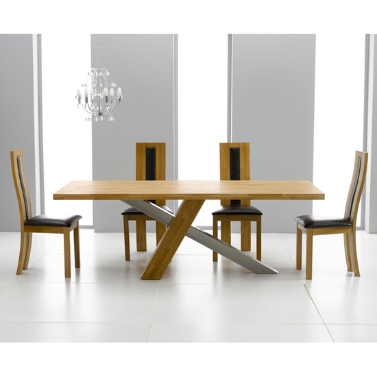 Montana 225cm Dining Table with Havana Chairs - Reclaimed Oak Dining Table And Chairs & Their Place In Your Apartment