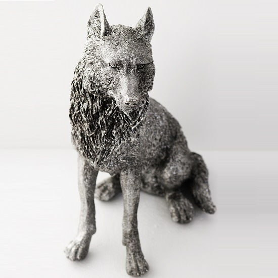Sitting Wolf Sculpture_1