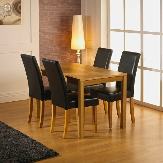 Santa Fe Oak Dining Table With 4 Oakland Black Dining Chairs