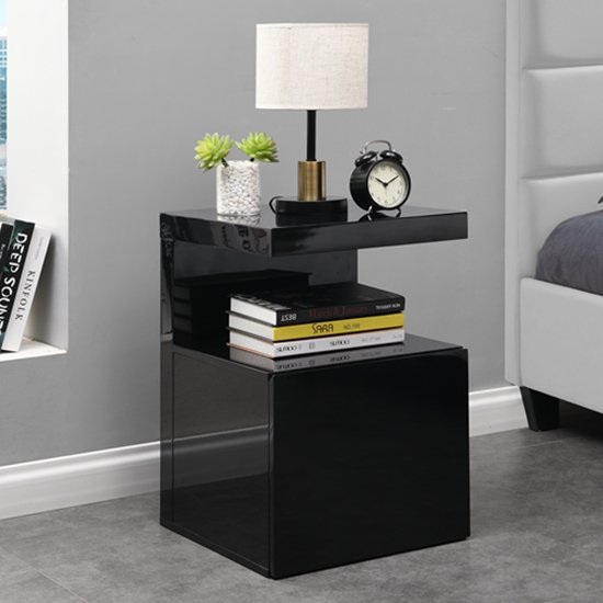 Voltaire Contemporary Side Table In Black High Gloss_1