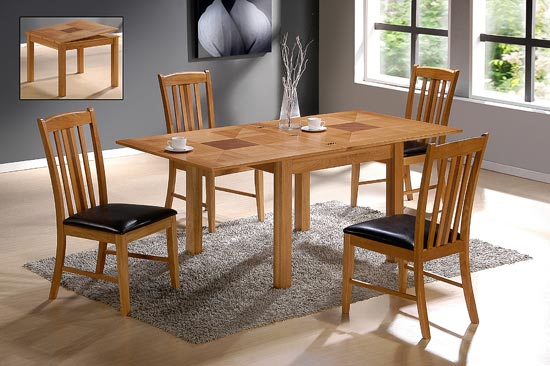 Yukon Solid Oak Extending Dining Table with 4 Chairs