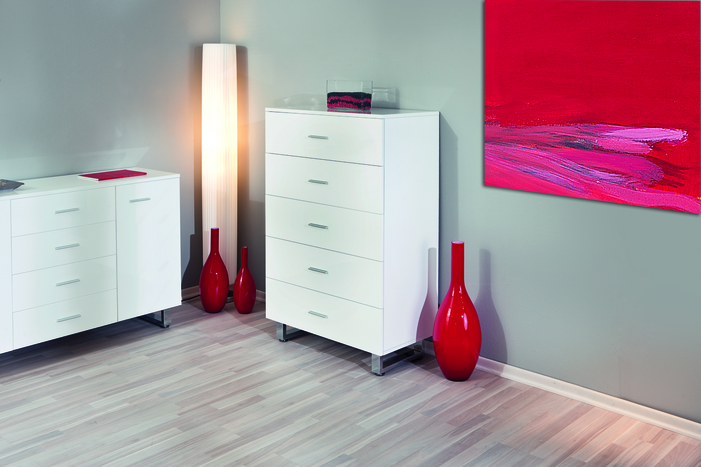 Read more about Alexa white gloss chest of 5 drawers