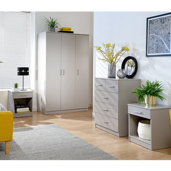 Product photograph showing Almandite Wooden 4pc Bedroom Furniture Set In Grey