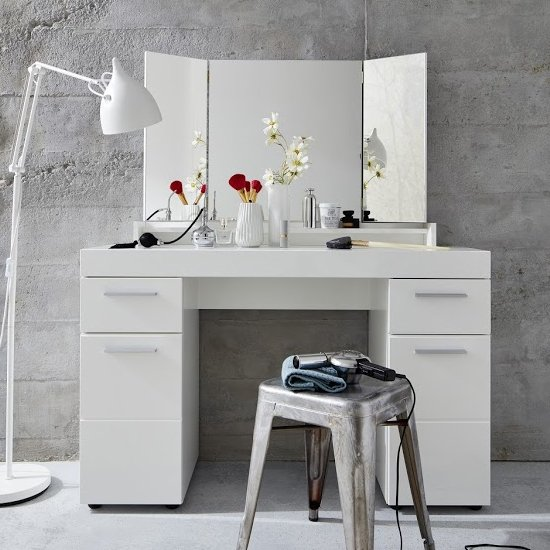 Amanda Wooden Dressing Table In White High Gloss_3