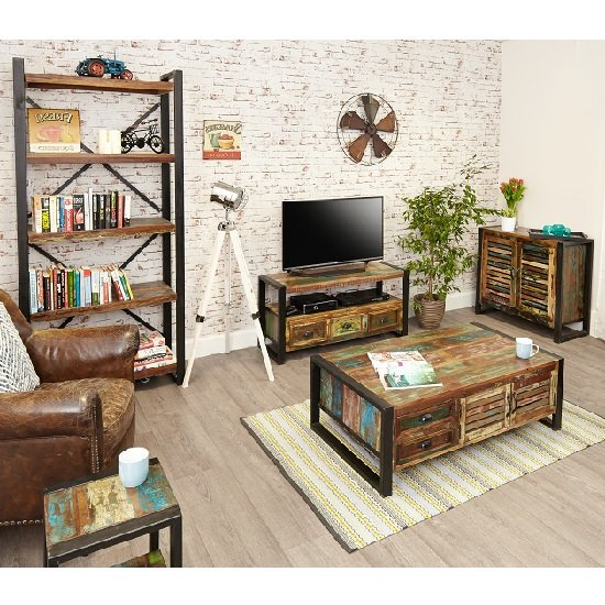 London Urban Chic Wooden TV Stand With 3 Drawers_5