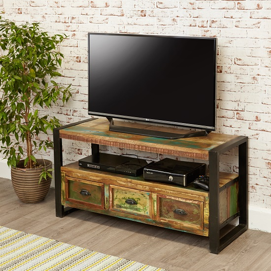 London Urban Chic Wooden TV Stand With 3 Drawers