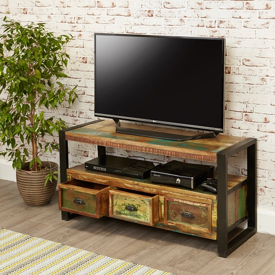 London Urban Chic Wooden TV Stand With 3 Drawers_3