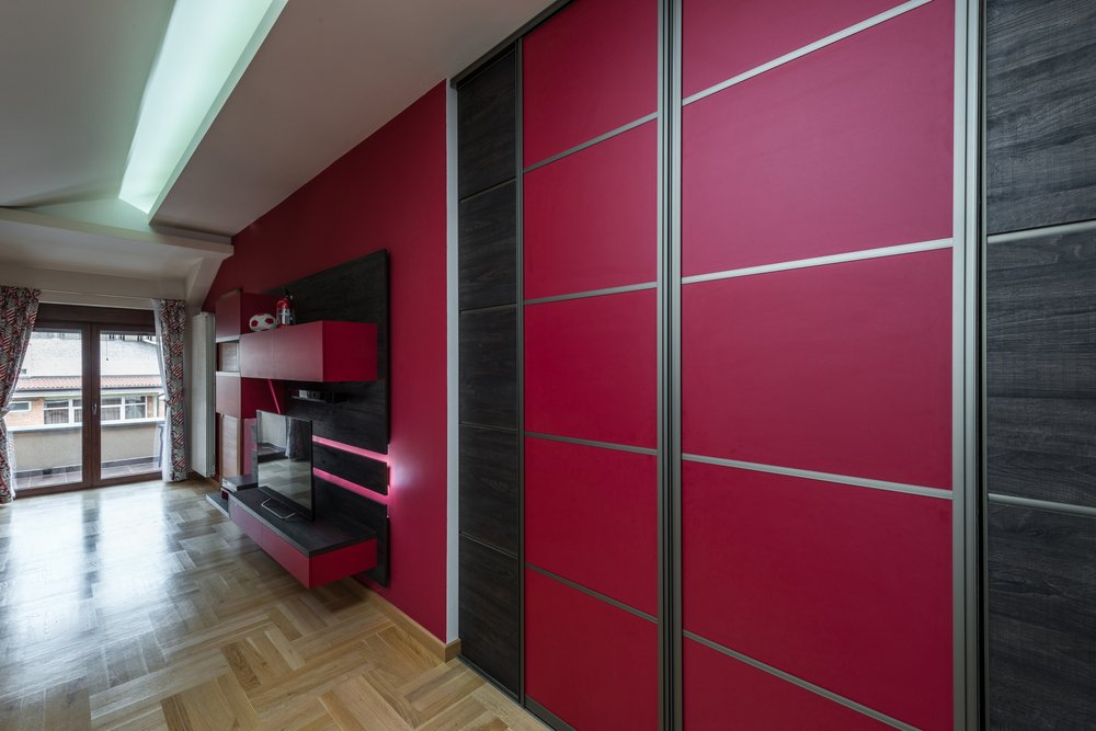 Wardrobes with Red Sliding Door: Provide a Different Style