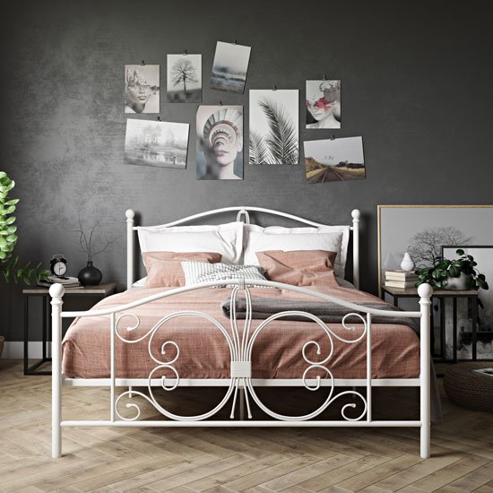 Bombay Metal Double Bed In White_1