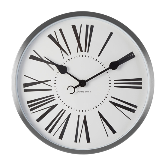 Breiley Traditional Accents Round Wall Clock In Chrome