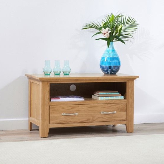 Cambroad Wooden TV Stand In Oak With 1 Drawer