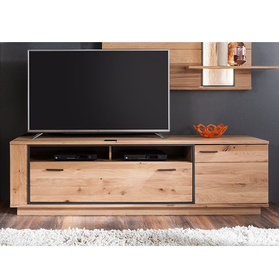 Campinas Wide Wooden TV Stand In Knotty Oak With 1 Door 1
