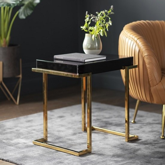 Canela Mirrored Side Table In Black With Gold Metal Legs