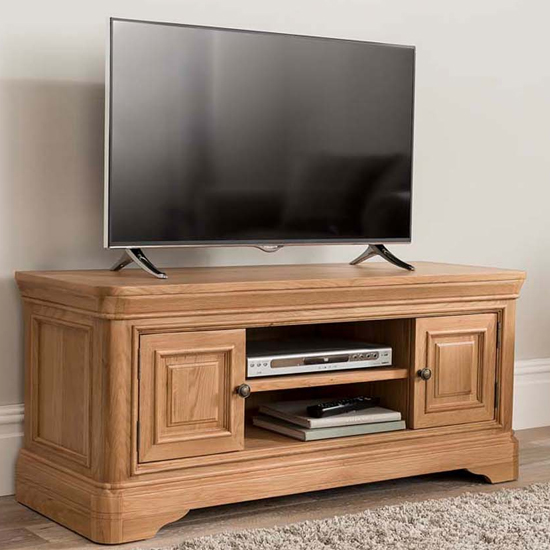 Carmen Wooden TV Stand In Natural With 2 Doors And Shelf