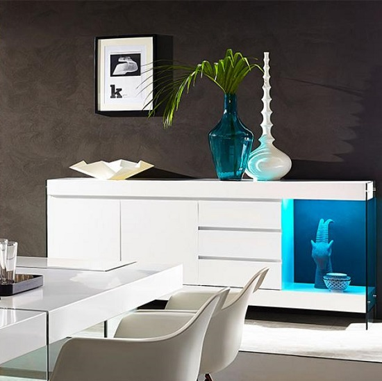 Caspa Sideboard In White With Glass