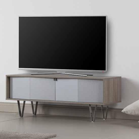 Castera Wooden TV Stand Rectangular In Oak With Chrome Feet