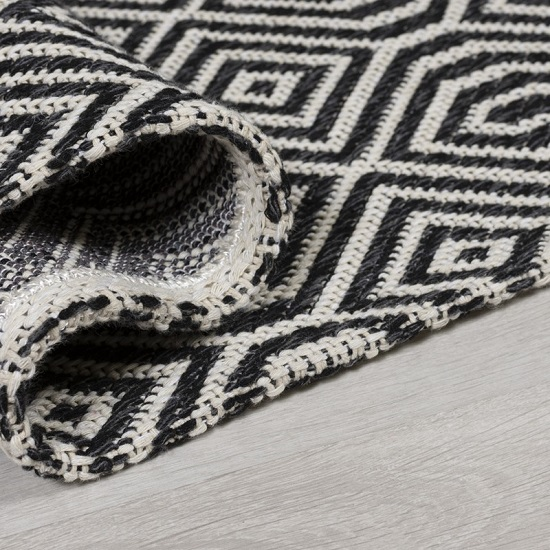 Cotone Pappel Black And Cream Finish Rug_2