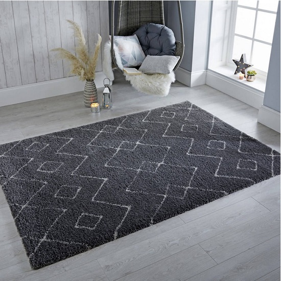 Dakari Imari Polypropylene Grey And White Finish Rug