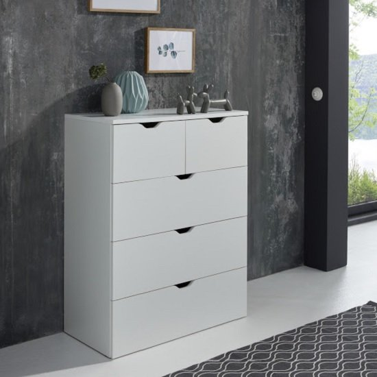 Delany Wooden Chest Of Drawers In White With 5 Drawers