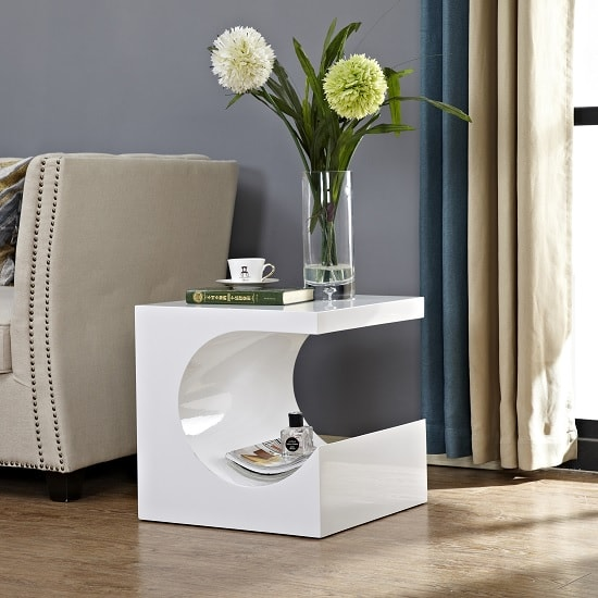 Figure Modern Side Table In White High Gloss_1
