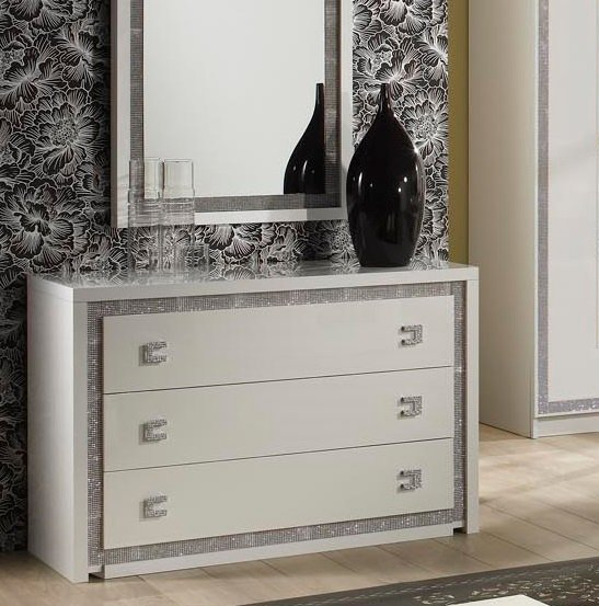 Crystal Bedside Cabinet In White Gloss With Rhinestones 2169 : gardebedroom from www.furnitureinfashion.net size 547 x 553 jpeg 126kB