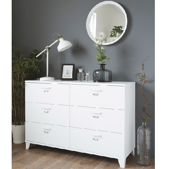 Hampstead Stylish Wooden Chest Of Drawers In White