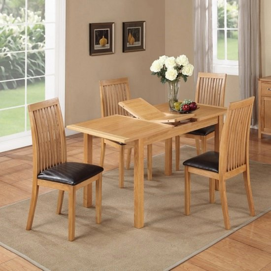 Hart Extending Dining Table In Oak With Four Dining Chairs