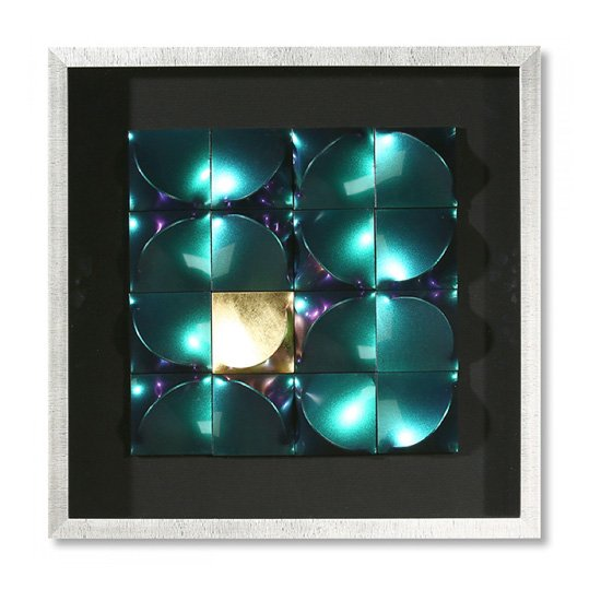 Illusion Picture Glass Wall Art In Silver Wooden Frame_2