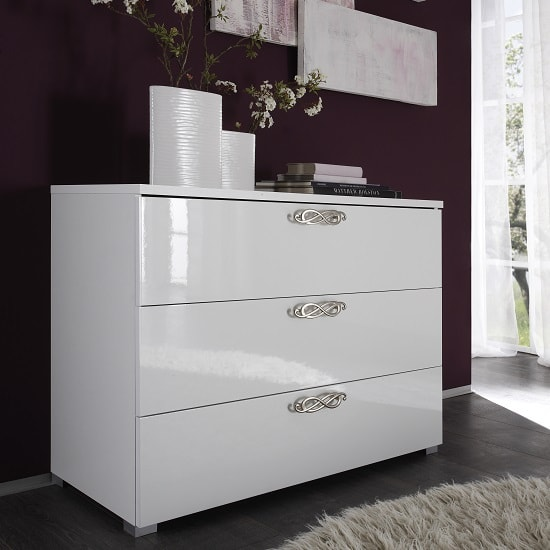 Lisbon Chest Of Drawers In White With High Gloss Fronts
