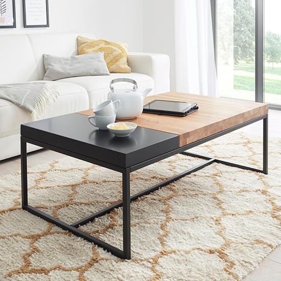 Lubao Wooden Coffee Table In Knotty Oak With Turnable Tray