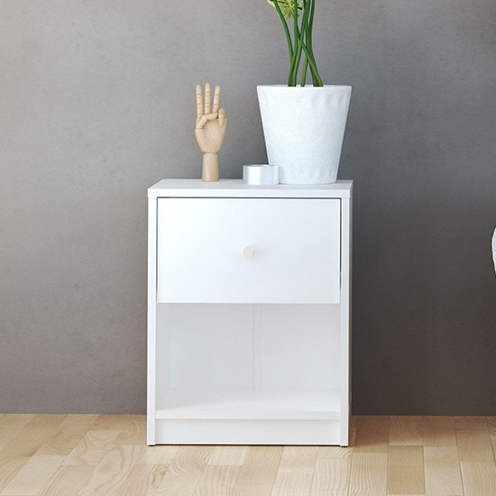 Maiton Wooden 1 Drawer Bedside Cabinet In White