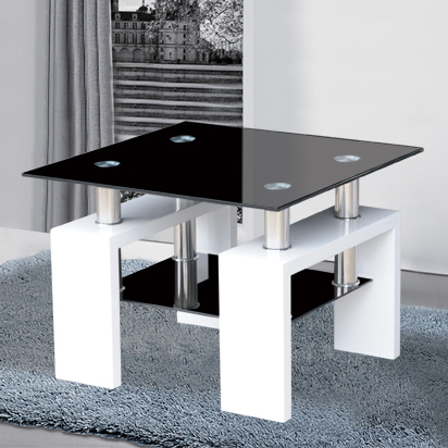 Kontrast side table in black glass and high gloss white for Black and white glass coffee table